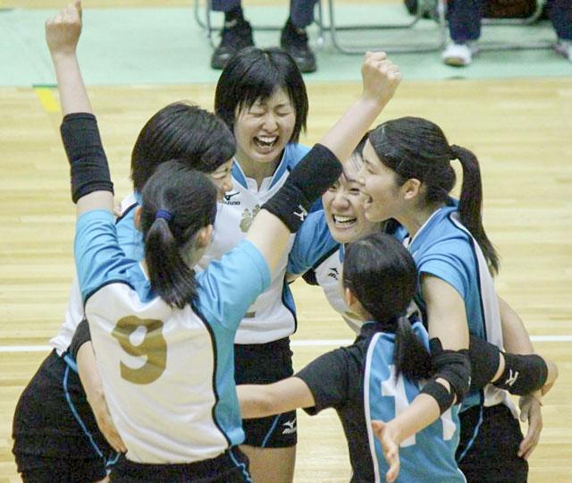 【準決勝試合結果速報】全日本バレーボール大学女子選手権大会(全日本インカレ)